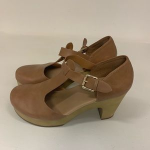 Old Navy Mary Jane Heels Size 8